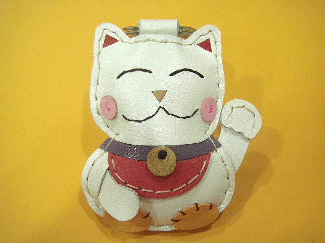 Makiyo the Maneki Neko leather charm ( White )