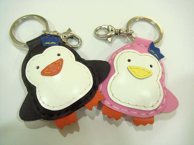 Penguin Groom and Bride leather charm ( Black and Pink )
