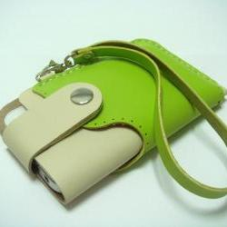 Leatherprince Handmade iPhone 4 leather case with Strap ( Green / Creamy )
