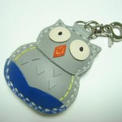 Lovely Fiona the Owl Leather Charm ( Grey )