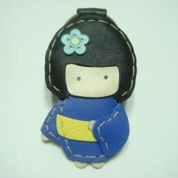 Sakura the Geisha Doll leather keychain ( Blue )