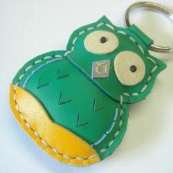 Lovely Fiona the Owl Leather Keychain ( Green )