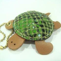 Winny the Turtle Leather Charm( Green Lizard Printed )
