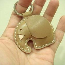 Laura the Elephant Leather Charm ( Light Brown )