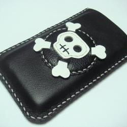 Ashbren the Skull iPhone Leather Case ( Black / White )